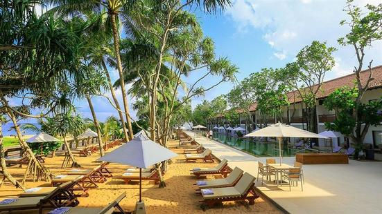Pandanus Beach Resort (Ex. Emerald Bay)