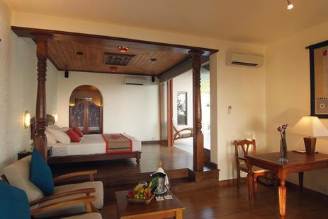 Saman Villas (Adults Only 10+)