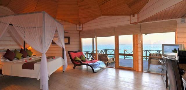 Komandoo Island Resort (Adults Only 18+)