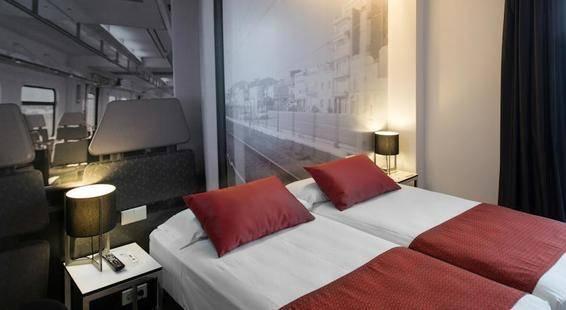Catalonia Avinyo Hotel