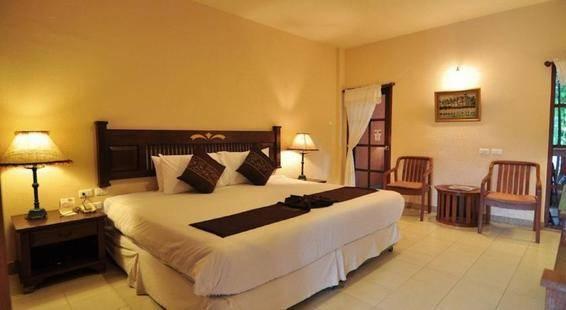Hyton Leelavadee Hotel