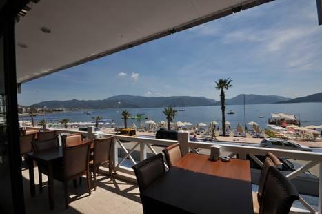 Class Beach Hotel