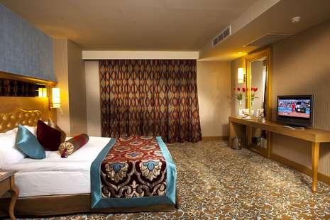 Royal Holiday Palace Hotel