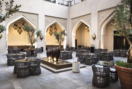 Al Manzil Downtown Hotel