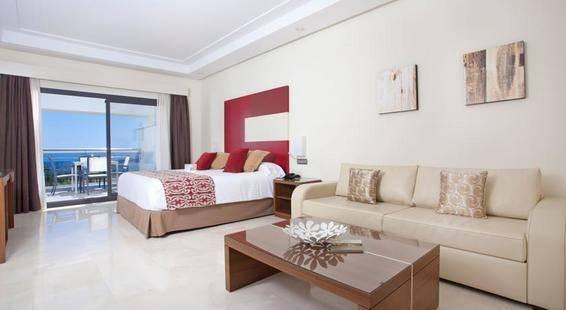 Fuerte Estepona Suites Spa