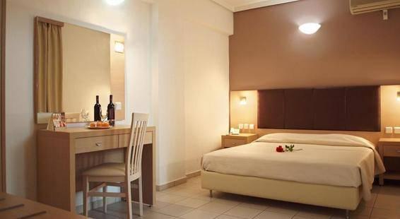 Caravel Hotel Apts