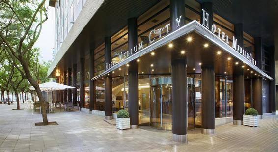 Medium City Hotel