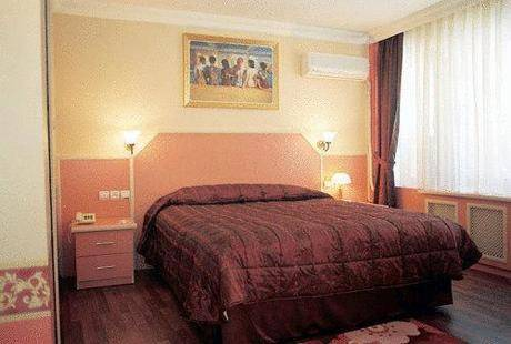 Eyfel Hotel
