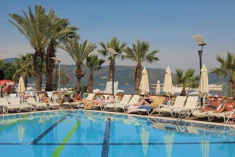 Cettia Beach Resort (Adults Only 16+)