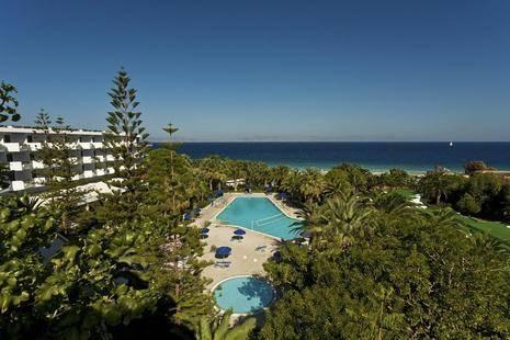 Blue Horizon Palm Beach Hotel & Bungalows