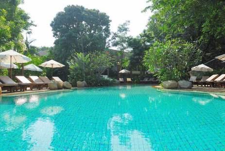 Woodlands Hotel & Resort