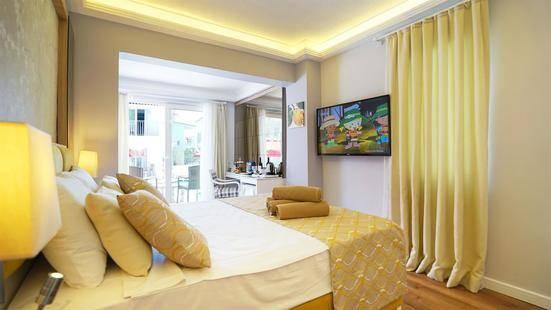 Lyra Resort Hotel