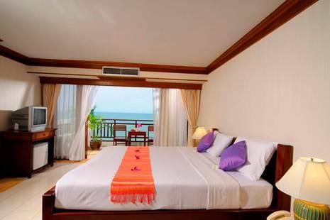 Royal Phala Cliff Beach