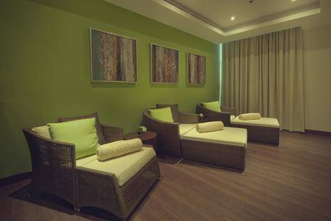Khalidiya Palace Rayhaan Hotel By Rotana