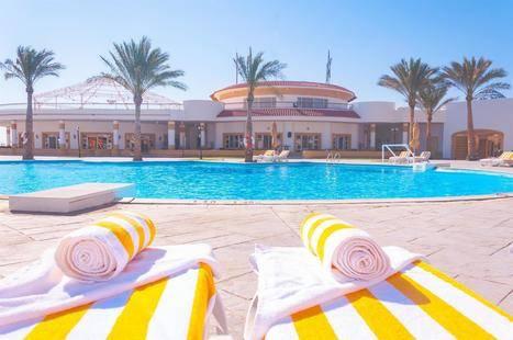 Coral Beach Resort Tiran