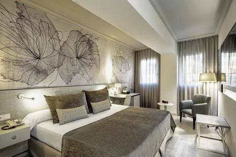 Salles Pere IV Hotel