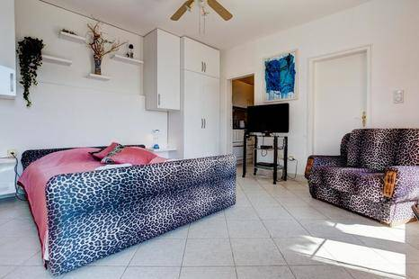 Sun Rose Apartments