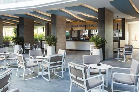 Riu Papayas Hotel