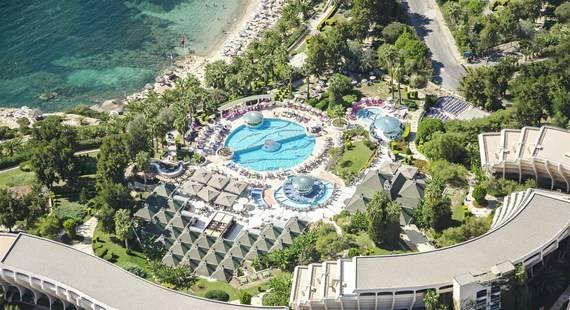 The Grand Blue Sky Hotel