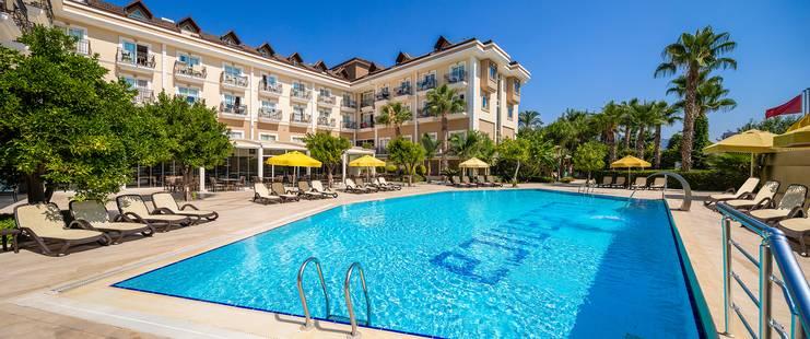 L'Oceanica Beach Resort Hotel