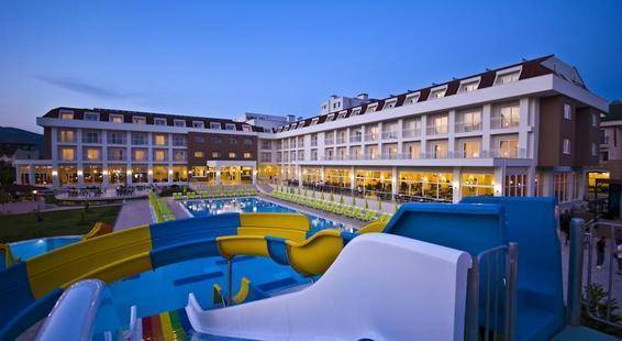 Mg White Lilyum Hotel