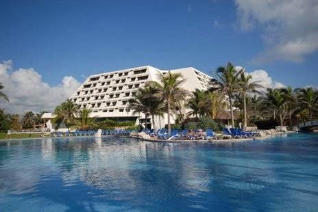 Oasis Cancun