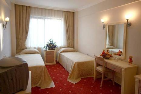 Ayma 2 Hotel