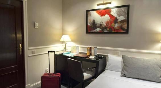 Emperador Hotel