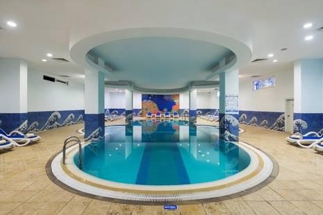 Catamaran Hotel