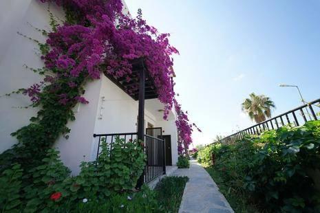 Salinas Beach Hotel