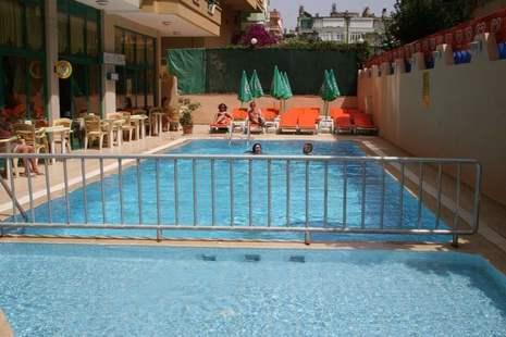 Kleopatra Gondola Suit Hotel