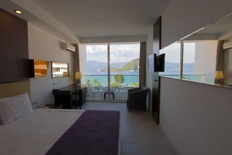 Munamar Beach Residence (Only Adults 13+)