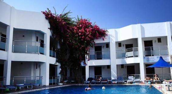 Parilti Hotel
