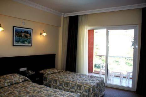 Club Palm Hotel