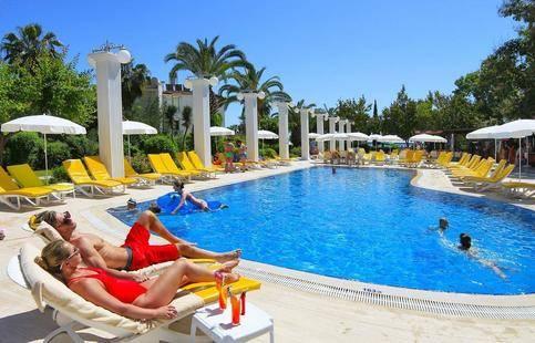 Club Aqua Plaza Hotel