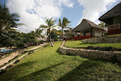Karafuu Hotel Beach Resort