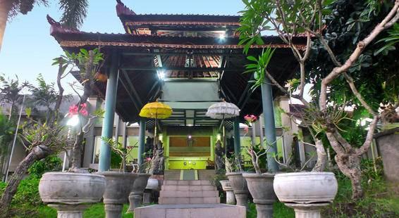 Palm Beach Hotel Kuta