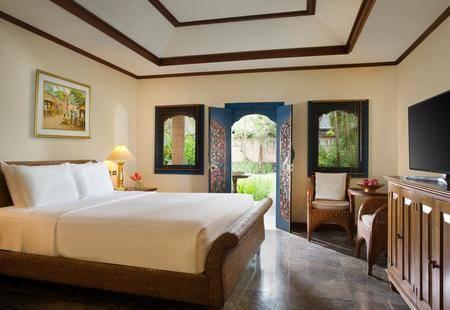 Puri Santrian Hotel