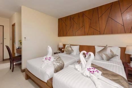 Chaiyapruek Suites Hotel