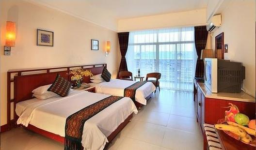 Yelan Bay Resort