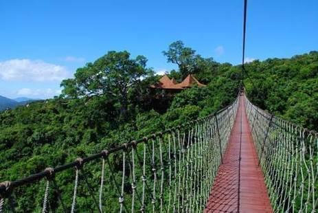 Yalong Bay Earthy Paradise Bird's Nest Resort