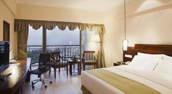 Holiday Inn Sanya Bay