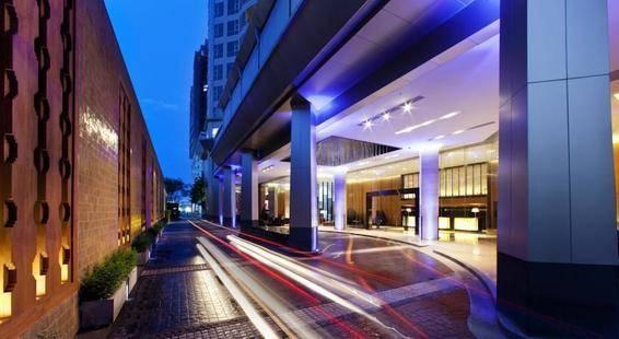 Anantara Bangkok Sathorn (Ex. Radisson Hotel Bangkok Sathorn)