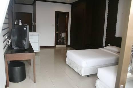 Twenty8 Inn Hotel