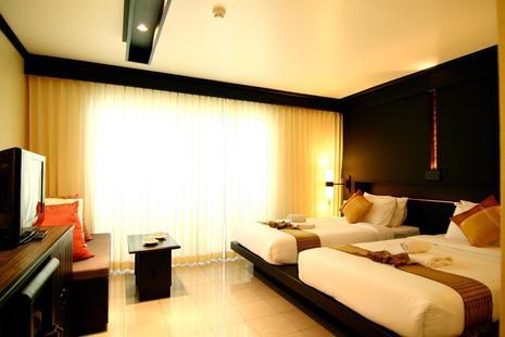 Rattana Beach Hotel