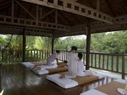 Aana Resort & Spa