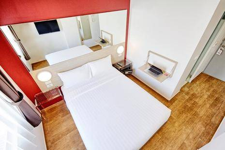 Red Planet Hotel