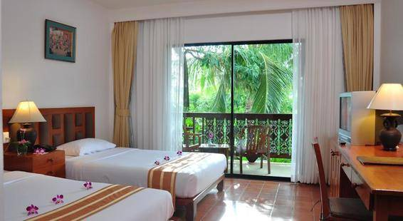 Salathai Resort