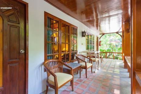 Tropica Bungalow Hotel