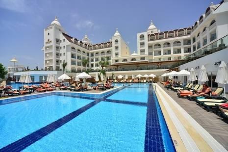 Side Crown Serenity Hotel